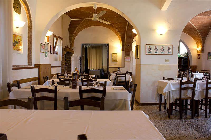 La sala del ristorante toscano