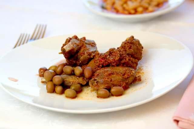 Cinghiale al sugo con le olive